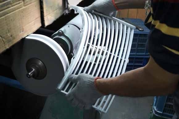 Die Cast Grille - Buffing